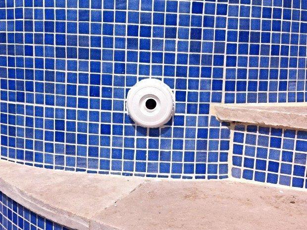 Intervention piscine en béton à Marseille